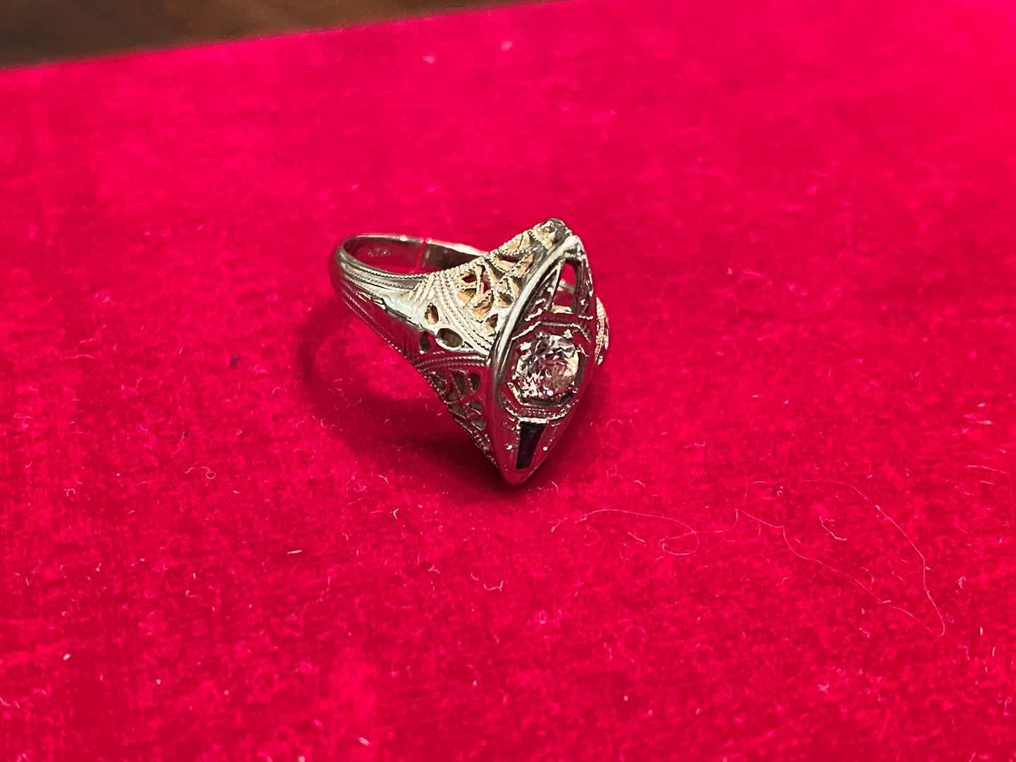 Lot # 261 - Platinum & Diamond Ring - (Stamped & Tested - 2.94 Grams) (main image)