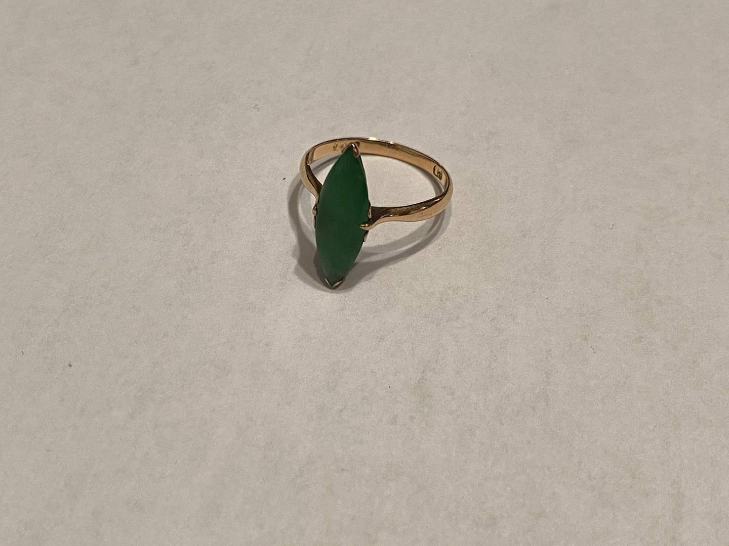 Lot # 272 - 14K Gold & Jade Ring - (Stamped & Tested - 2.20 grams) (main image)