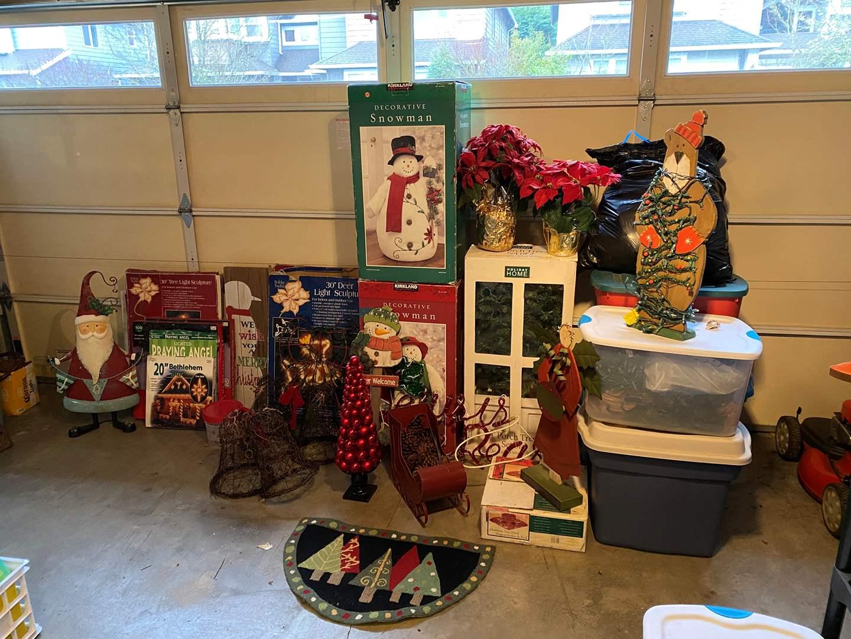 Lot # 109 - Christmas Decor, Lights, Ornaments & More.. (main image)