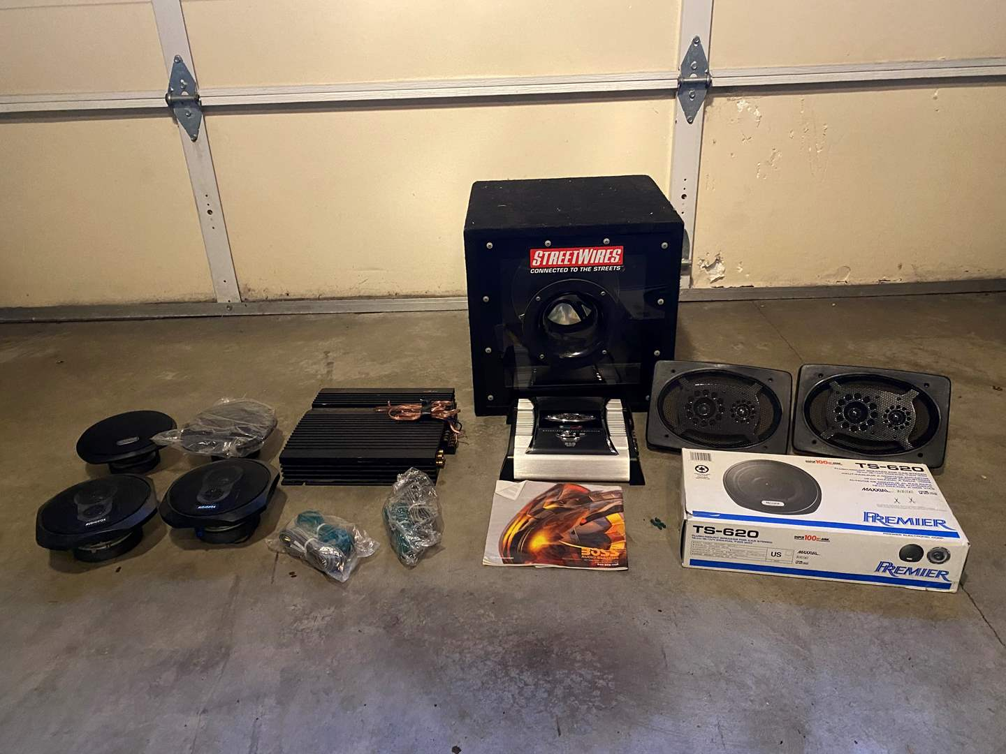 "Lot # 120 - 15"" Kicker Subwoofer in Box, Boss GT 850 Watt Amp, Alpine 3552 4 Channel Amp, Elite 6x9 Speakers & More.. (main image)"