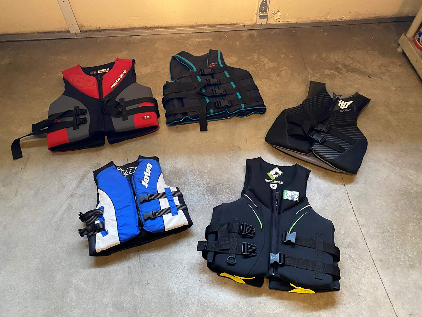 Lot # 128 - Five Life Jackets of Various Sizes - See Pictures for Details (main image)