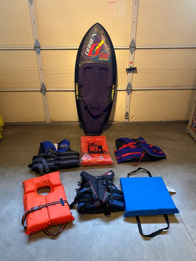 Lot # 129 - O'Brien Kneeboard & Five Life Jackets (main image)