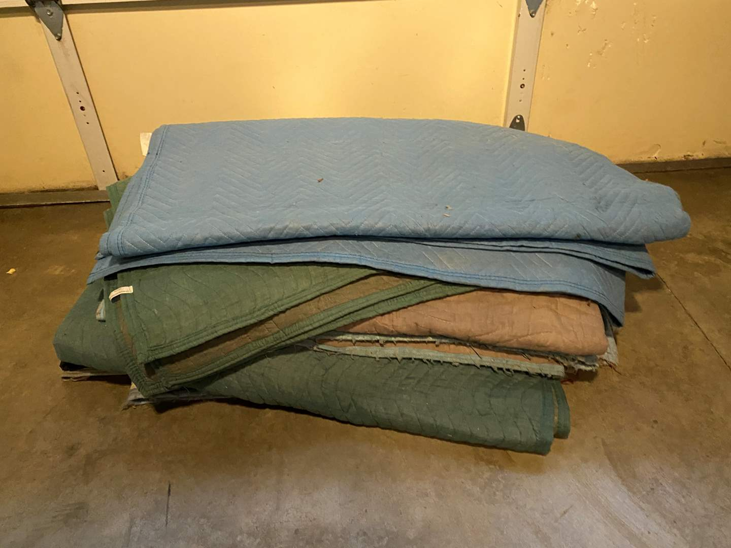 Lot # 142 - Stack of Moving Blankets (main image)