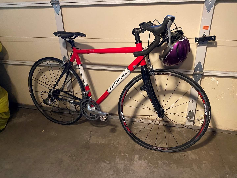 Lot # 146 - Nice Chambery Lemond 10 Speed Aluminum Road Bike (main image)