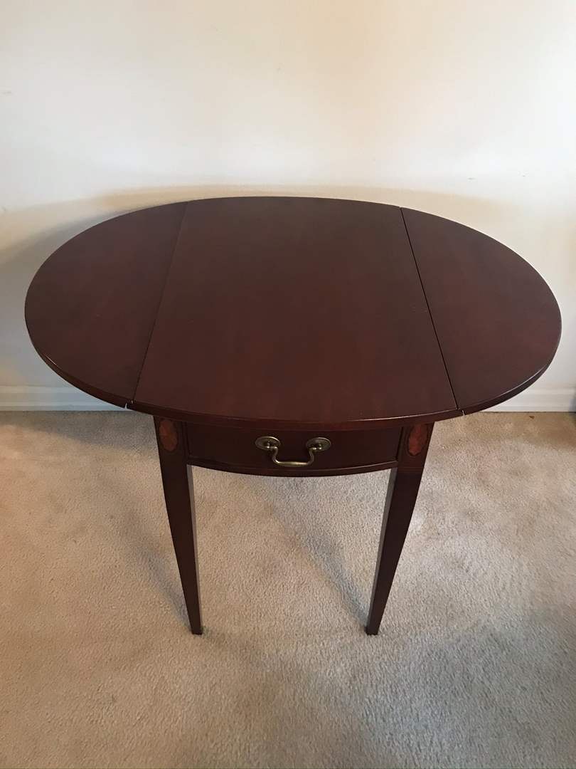 "Lot # 3 - Vintage ""Hammary"" Cherry Inlaid Pembroke Drop Leaf End/Side/Accent Table  (main image)"
