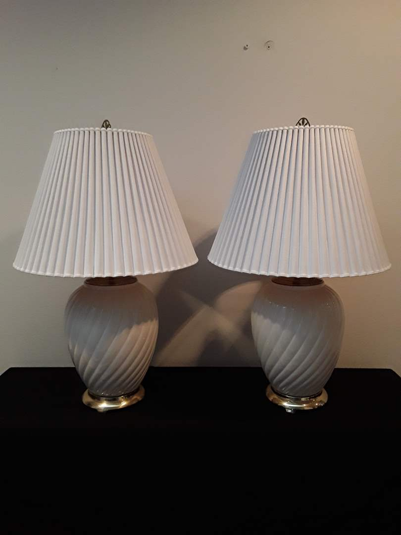 Lot # 22 - Pair of White Ceramic Lamps with Gold-Tone Bases (main image)