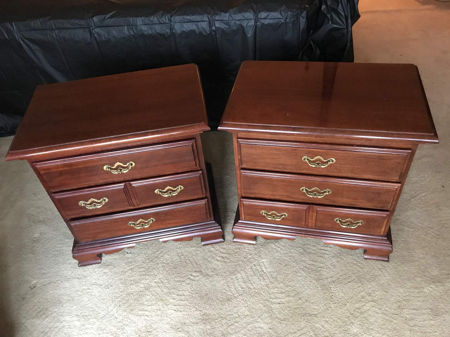 Lot # 49 - Pair of Thomasville Furniture Collectors Cherry Nightstands (main image)
