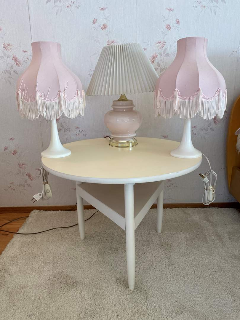 Lot # 20 - Side Table w/Three Small Table Lamps - Lamps Work (main image)