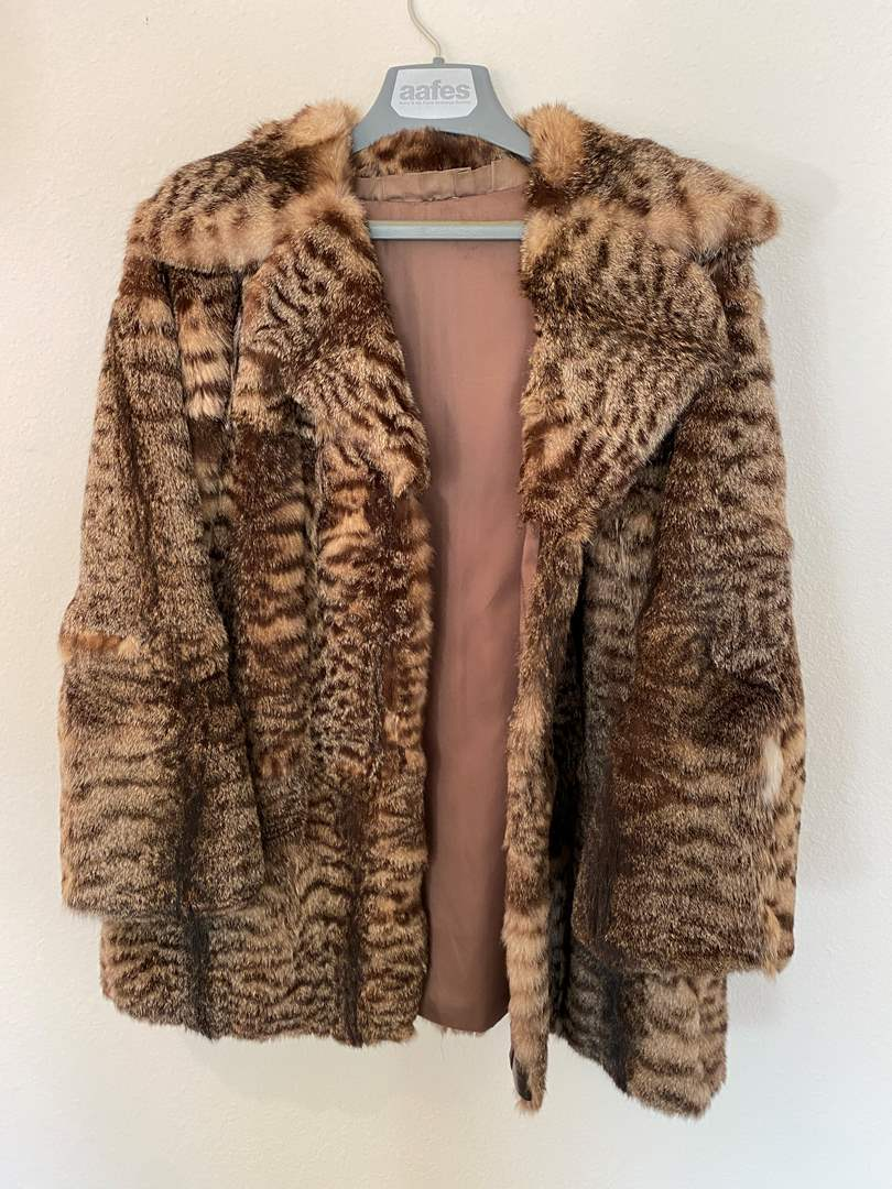 "Lot # 45 - Vintage ""Pez Bock"" Lynx? Fur Coat  (main image)"