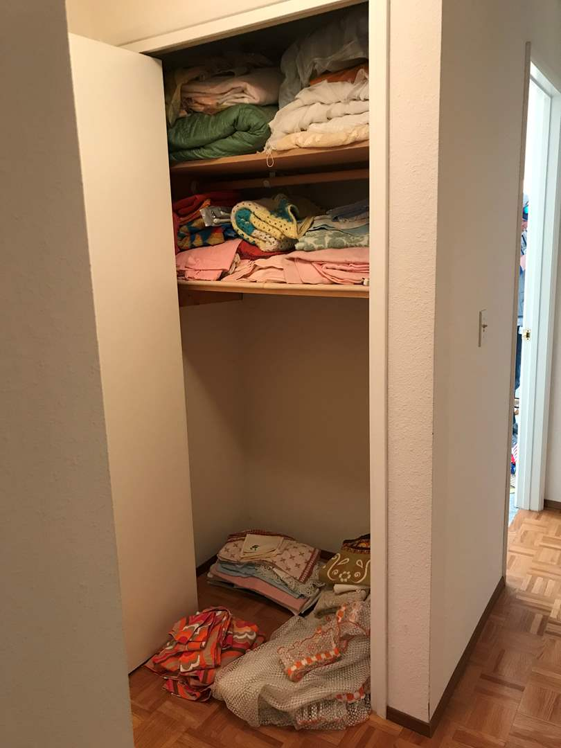 Lot # 125 - Closet Full of Vintage Blankets, Bed Spreads, Curtains, Table Cloths & More.. (main image)