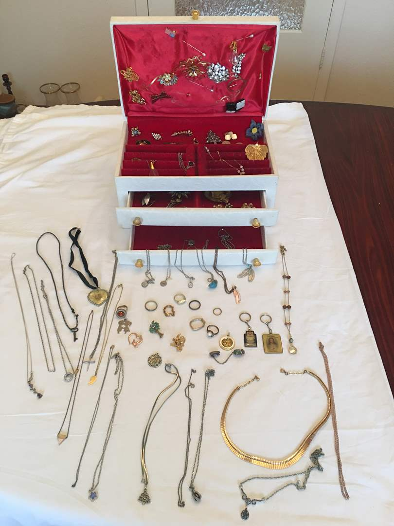 Lot # 137 - Vintage Jewelry Box Full of Fashion Jewelry, Vintage Broach, Rings, Necklaces & More.. (main image)