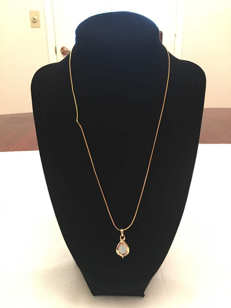 Lot # 142 - 14K Gold Chain & Pendant - 4.05G (main image)
