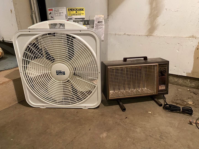 Lot # 249 - Lasko Box Fan, Lakewood Electric Heater - Both Work (main image)