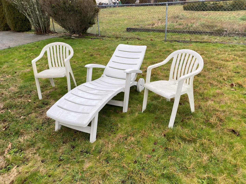 Lot # 279 - Plastic Patio Furniture (main image)