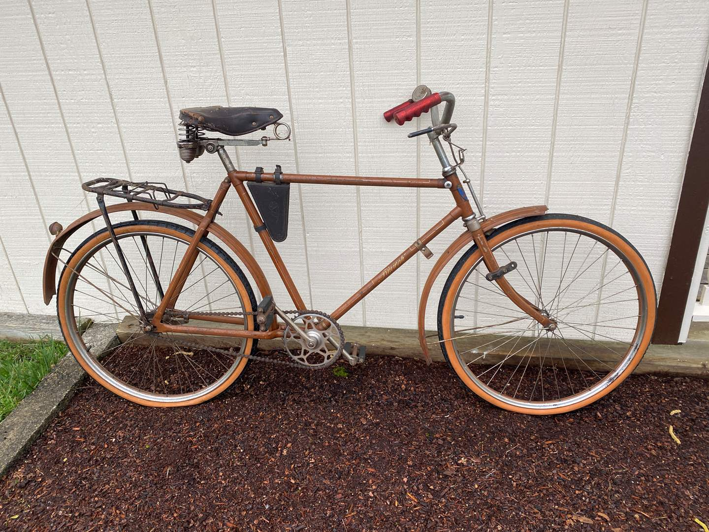Lot # 285 - Awesome Vintage/Antique Triumph Bicycle (main image)