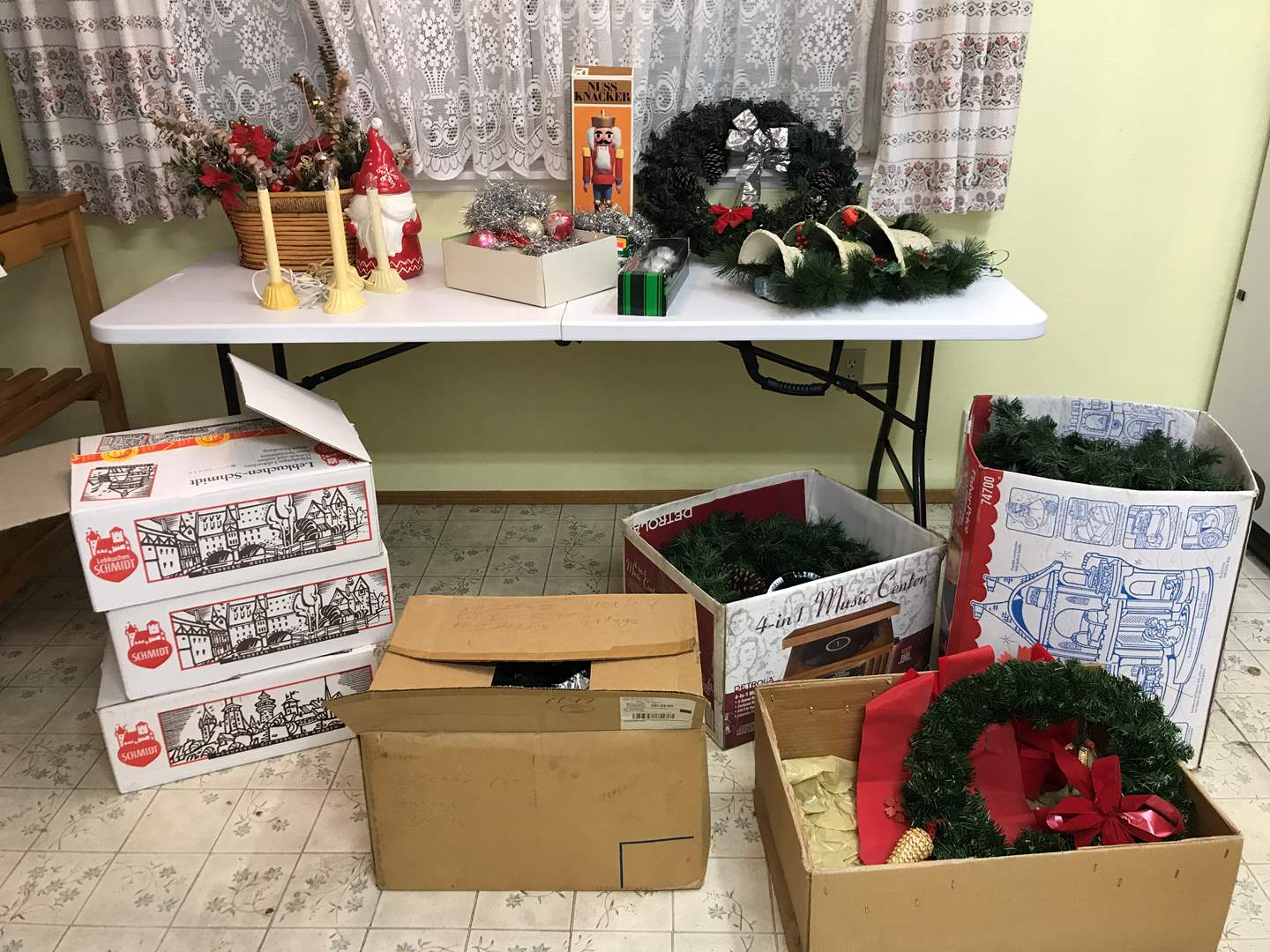 Lot # 269 - Christmas Items: Wreaths, Vintage Ornaments & More.. (main image)