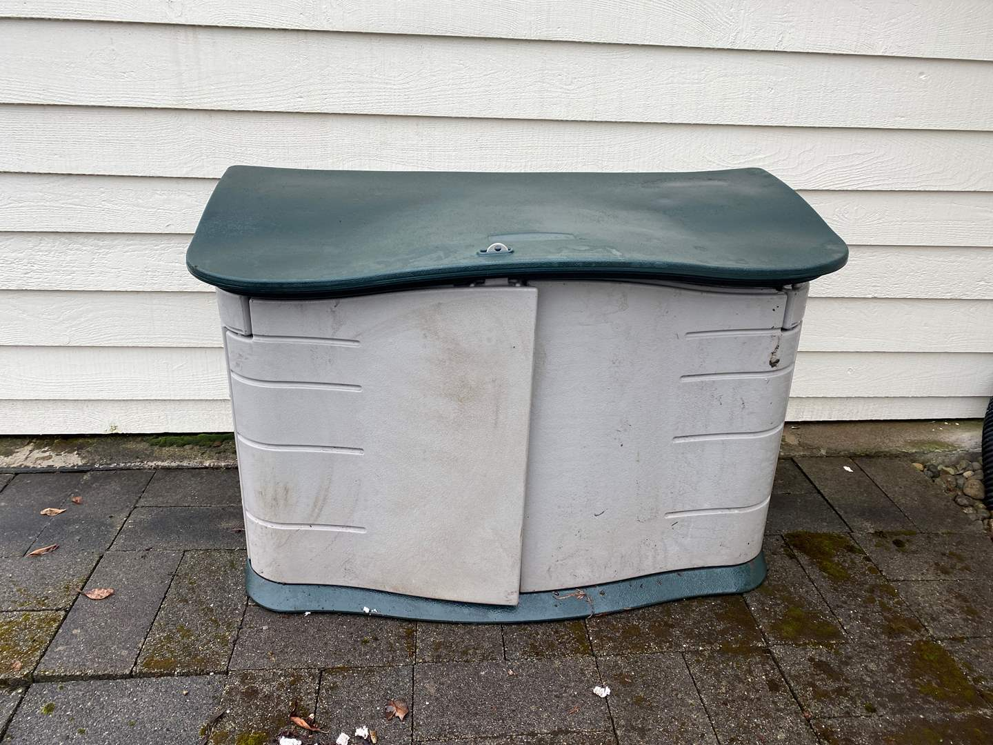 Lot # 296 - Rubbermaid Storage Shed (main image)