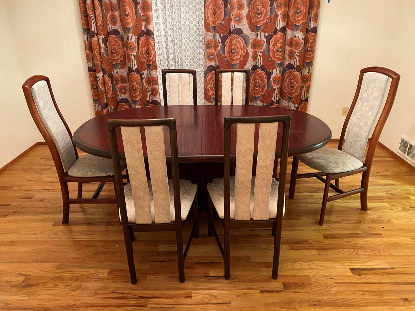 Lot # 274 - Nice Skovby Cherrywood Dinning Room Table w/6 Chairs & 2 Leaves - Made in Denmark (main image)