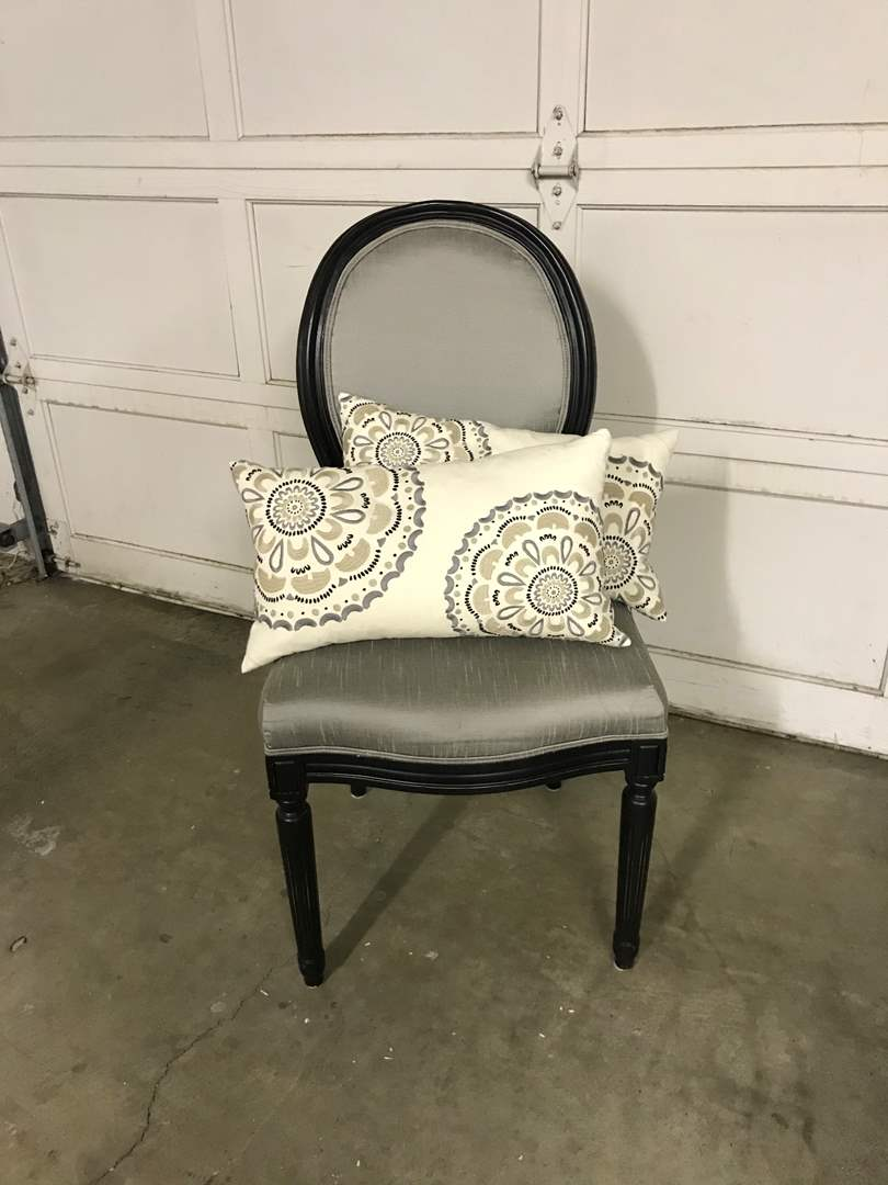 Lot # 41 - Nice Side Chair w/2 Cute Throw Pillows (main image)