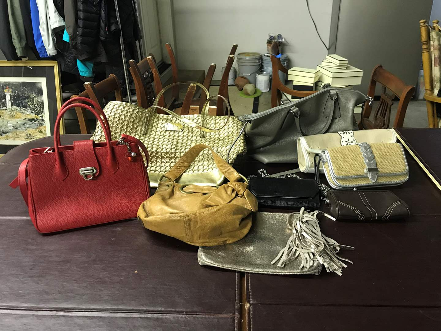 Lot # 47 - Nice Selection of Hand Bags: Kate Spade, Kesslord, Booba, Coach Wristlet & More.. (main image)