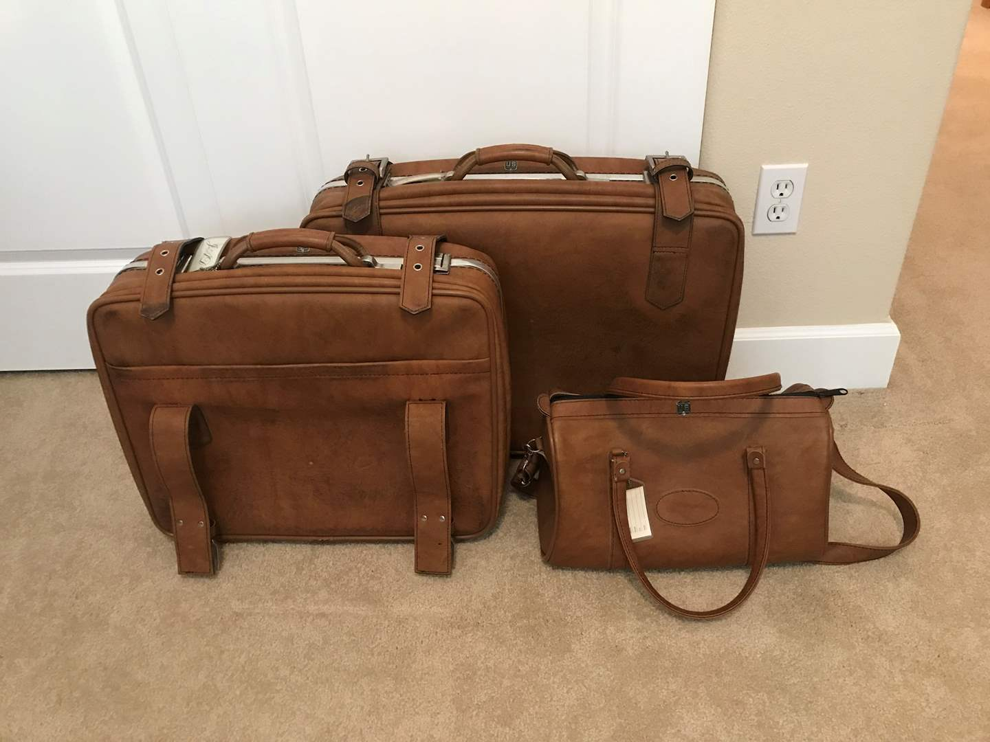 Lot # 87 - Three-Piece Set of Vintage US Luggage - In Great Shape (main image)