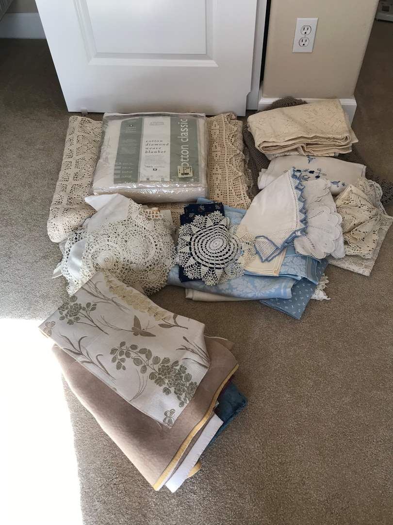 Lot # 100 - Beautiful Queen or King Size Crochet Spread, Afghan, Table Linens, Blanket & More.. (main image)