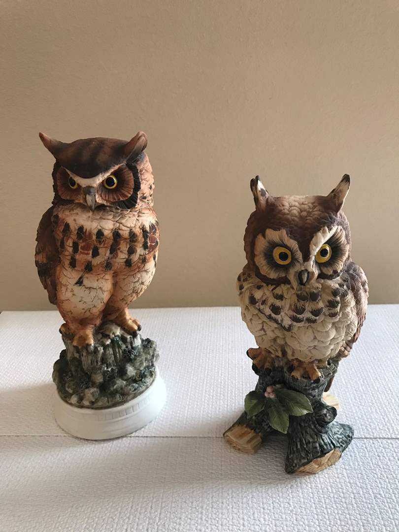 "Lot # 127 - Ethan Allen #3203 Owl & Limited Edition Series ""Great Horned Owl"" #C-7255 Statues  (main image)"