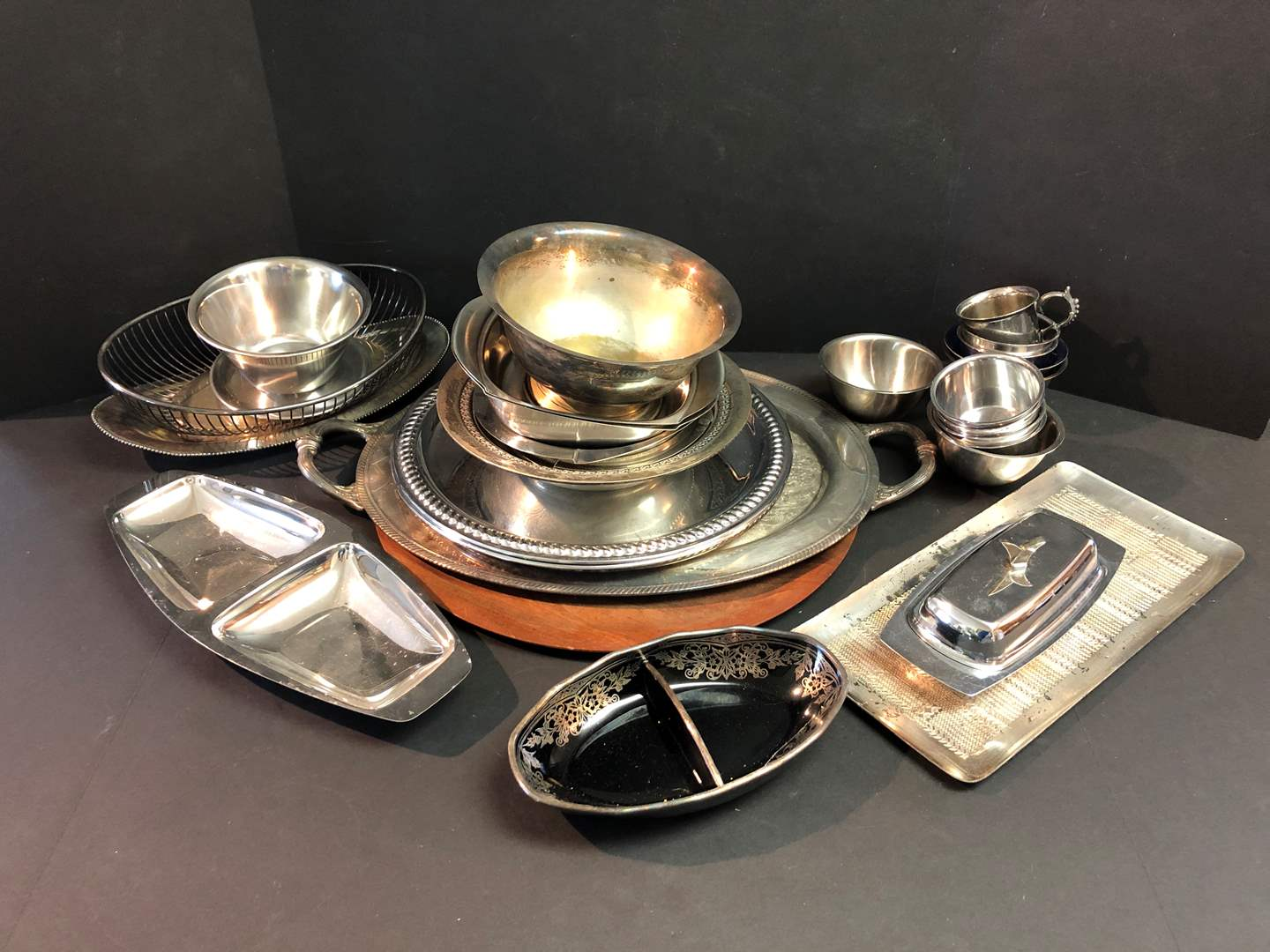 Lot # 58 - Selection of Serving Dishes, Platters & Tidbit Trays (main image)