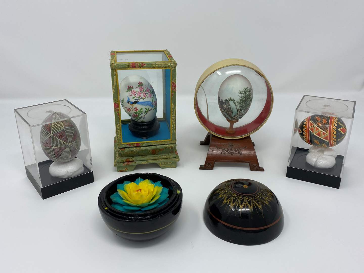 Lot # 13 - Four Asian Inspired Hand Painted Blown Eggs w/Floral Art (main image)