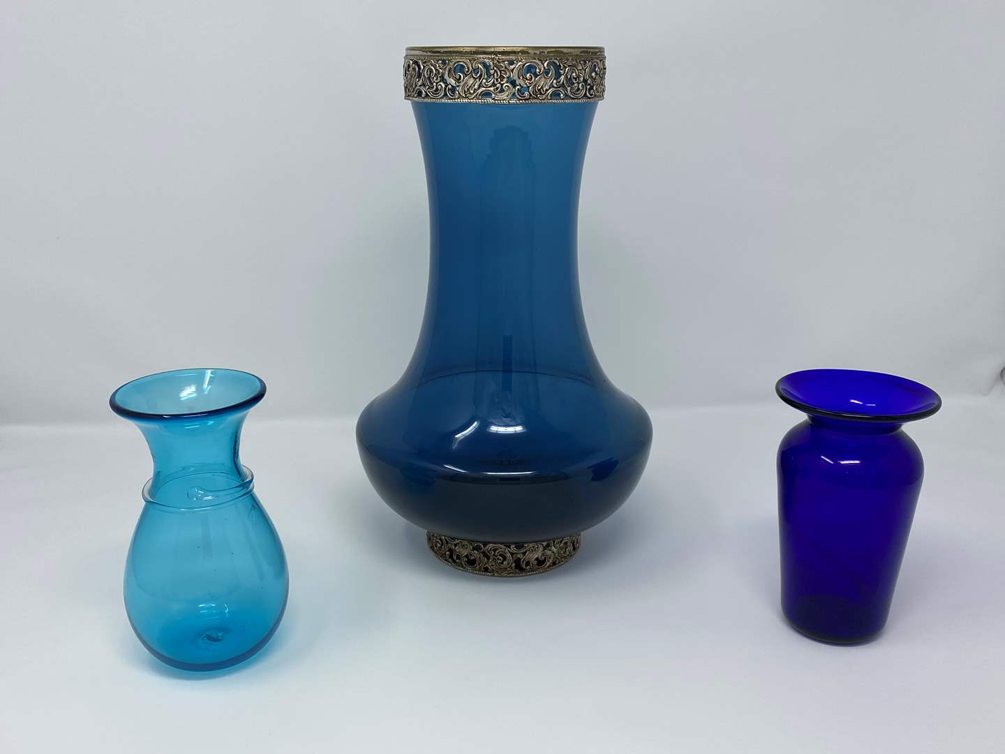 """Lot # 14 - Vintage Italian """"Peedee"""" Hand Made Vase, Two Small Signed Hand Blown Glass Vases  (main image)"""