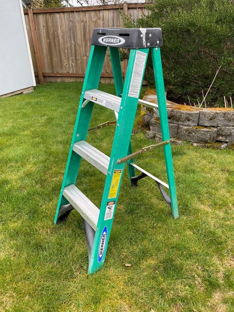 Lot # 250 - 4 Ft Werner Fiberglass Step Ladder (main image)