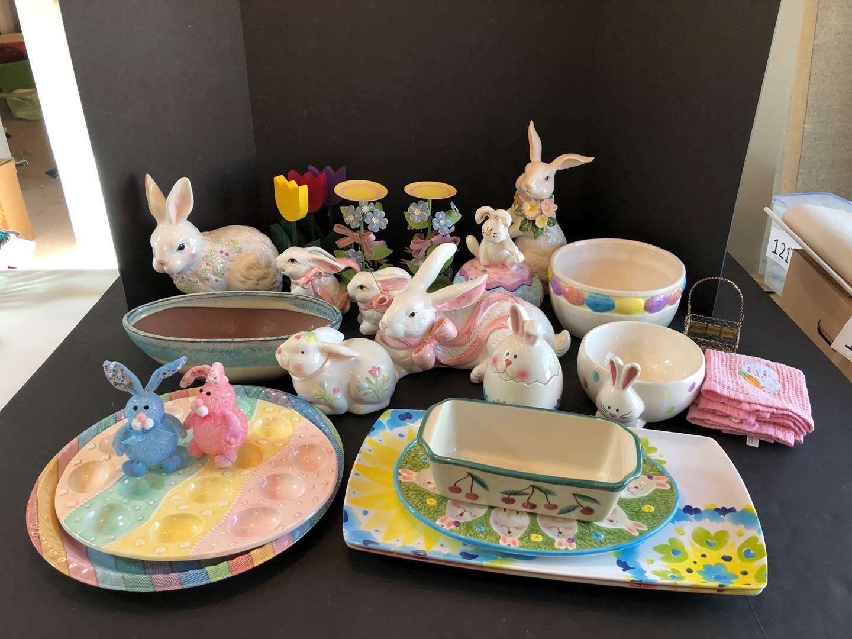 Lot # 139 - Easter Decor (main image)