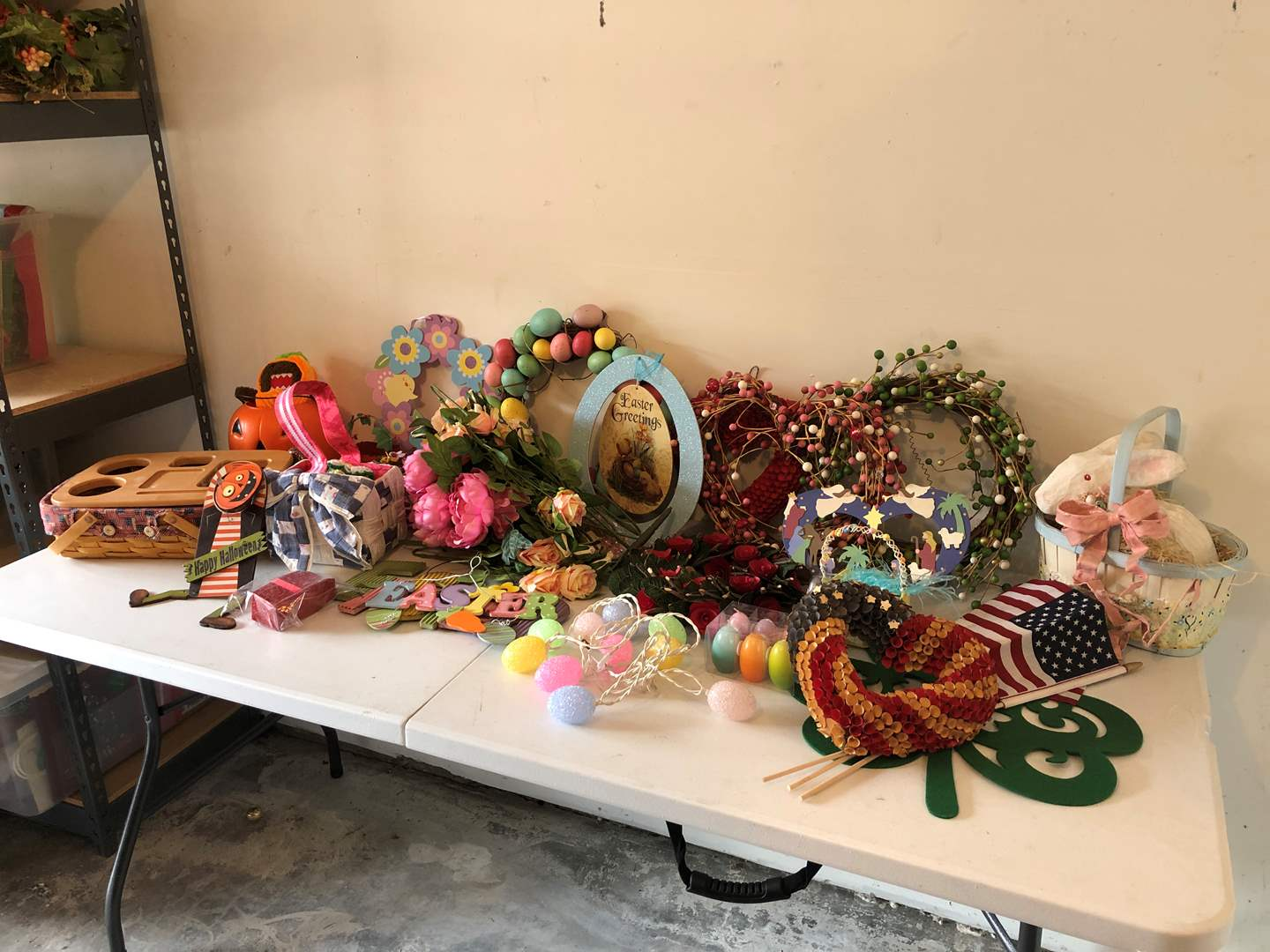 Lot # 199 - Misc. Easter, Fall & 4th of July Decor (main image)