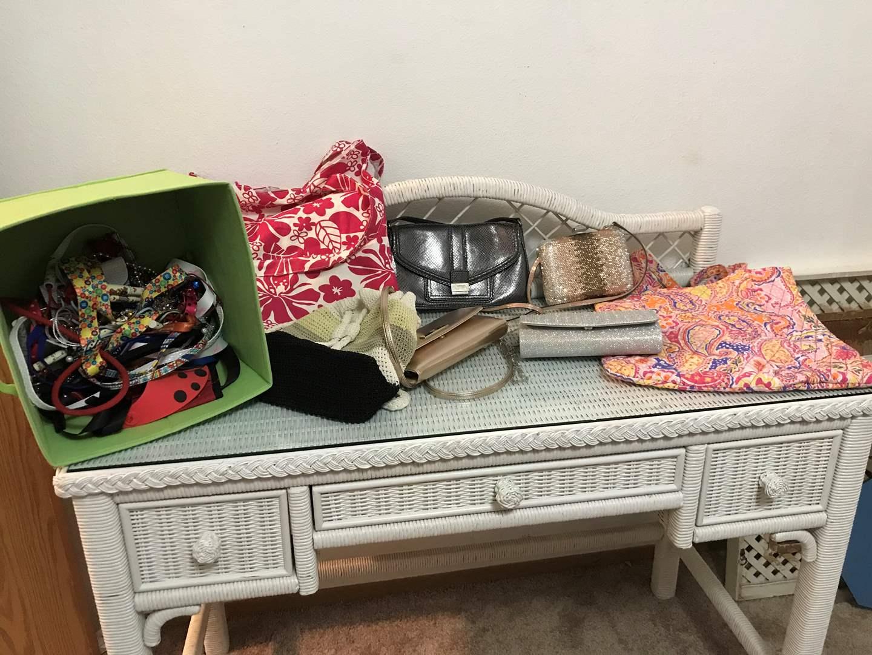 Lot # 154 - Tote Bags, Purses & Bin Full of Lanyards (main image)