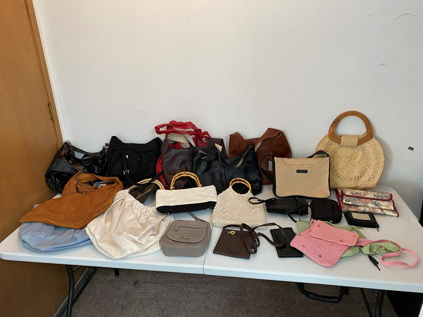 Lot # 49 - Nice Selection of Purses - See Pictures for Details (main image)