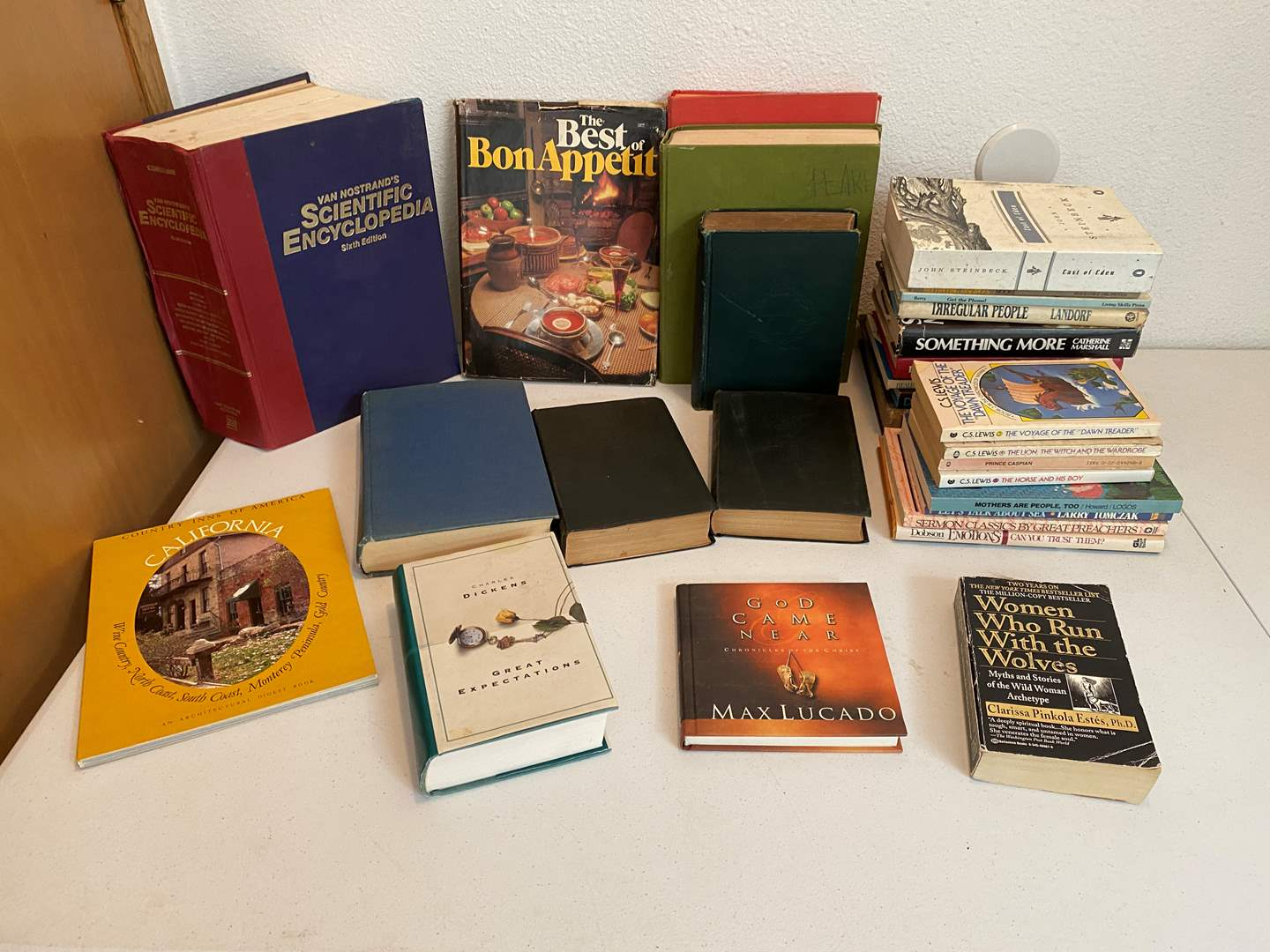 Lot # 185 - Small Selection of Books: Shakespeare, Charles Dickens, John Steinbeck & More..  (main image)