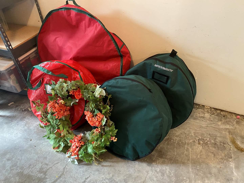 Lot # 197 - Bag Full of Wreaths (main image)