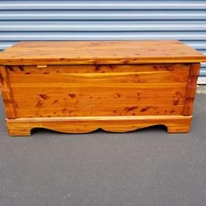 "Lot # 9 - Vintage Murphy Cedar Chest...#4019 w/ ""opportunities""!"