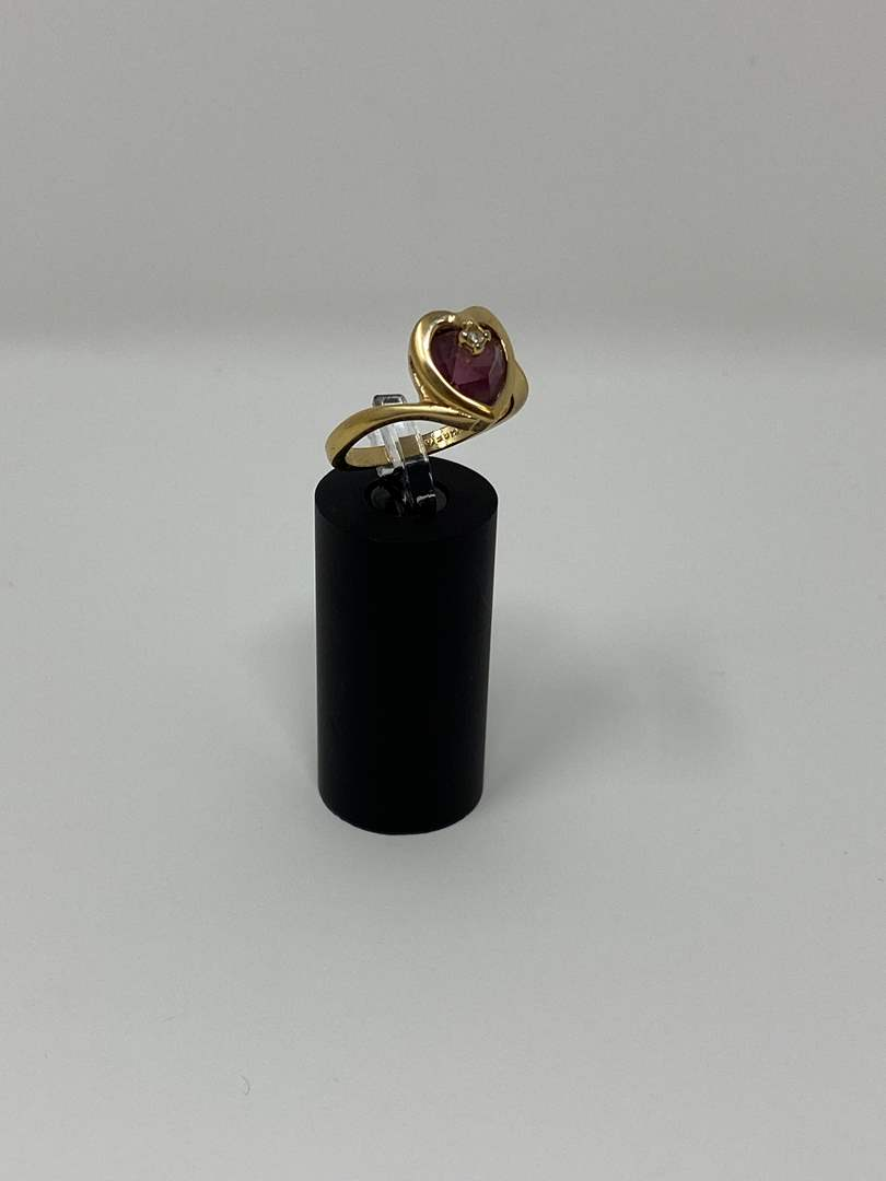 Lot # 92 - 18K G.F.E. Gold Ring - (Stamped - 3.97 Grams). (main image)