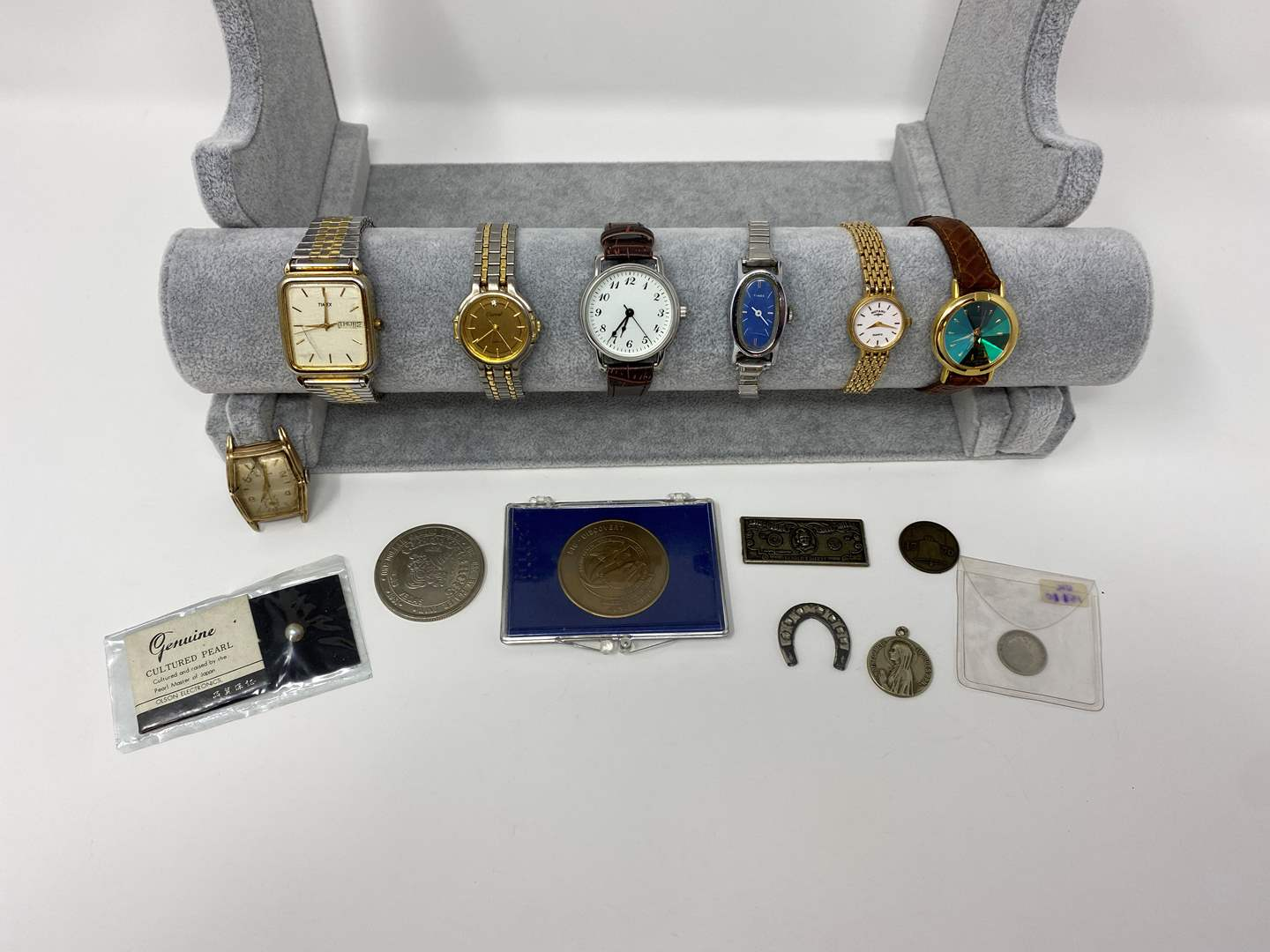 Lot # 129 - Vintage Watched & Other Misc. Items. (main image)