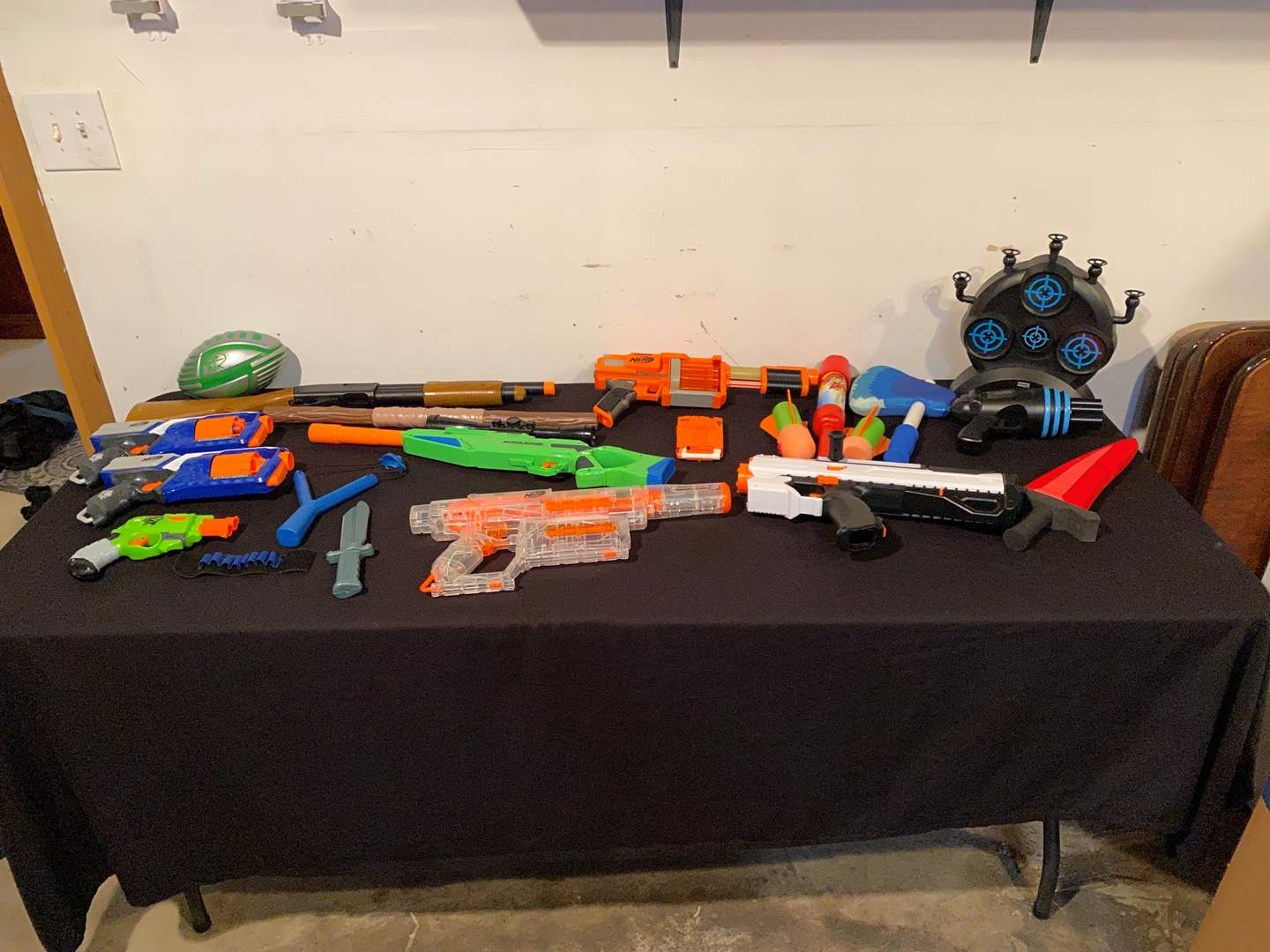 Lot # 153 - Collection of Nerf Guns & Other Misc. Toy Guns. (main image)