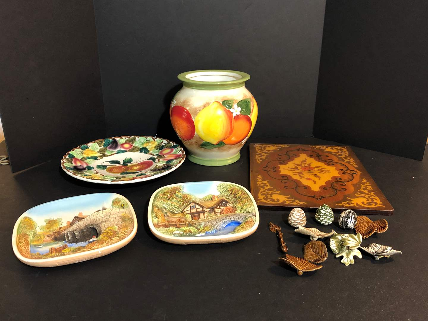 Lot # 55 - Selection of Ceramic Dishes, Wall Art, Ornaments & Wood  (main image)