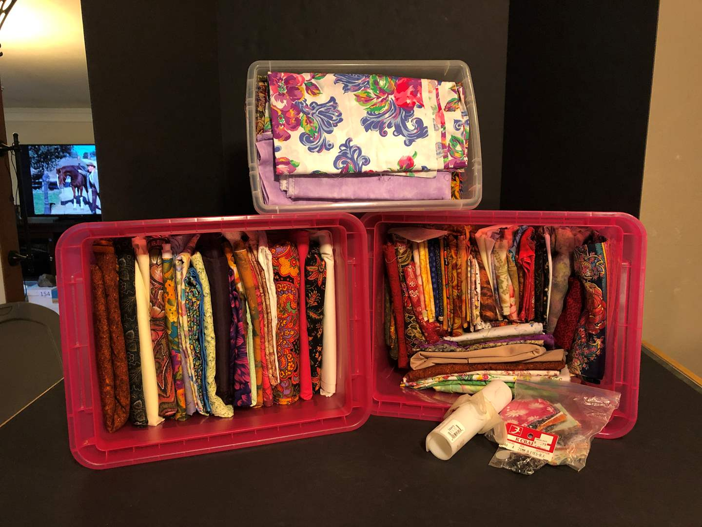 Lot # 156 - Awesome Selection of Fabric of Various Patterns (main image)