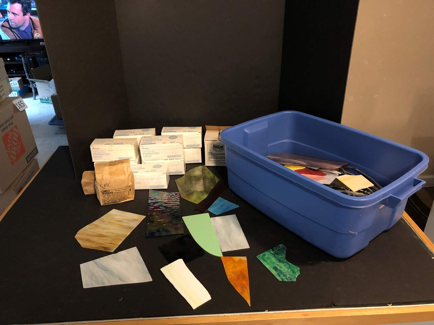 Lot # 172 - Self Supporting Pyrometric Cones, Shelf Primers & Pieces of Glass of Various Sizes & Colors (main image)