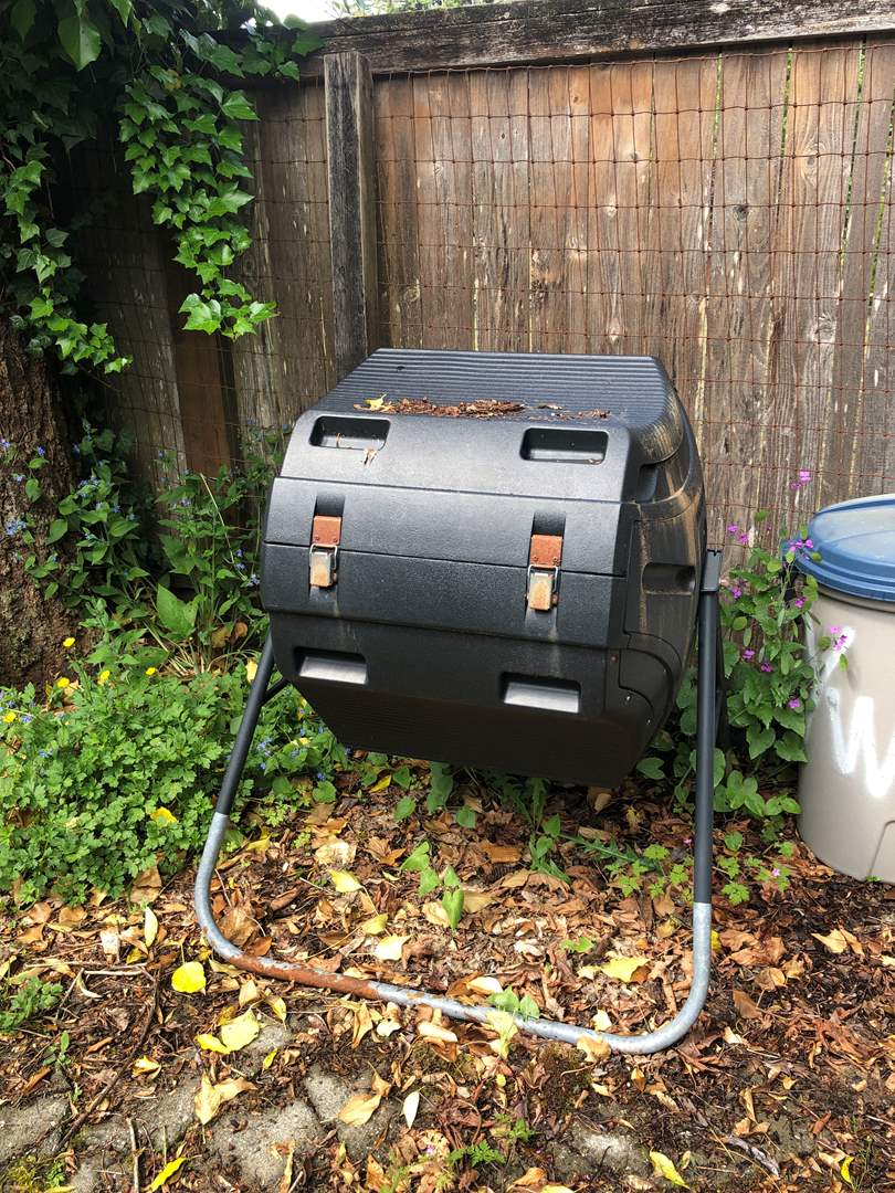 Lot # 253 - Large Composter  (main image)