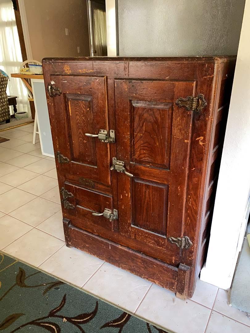 "Lot # 3 - Antique ""Bedding-Hall Century"" Refrigerator w/Original Enamel Drip Pan, Butter Holder & Trays (main image)"