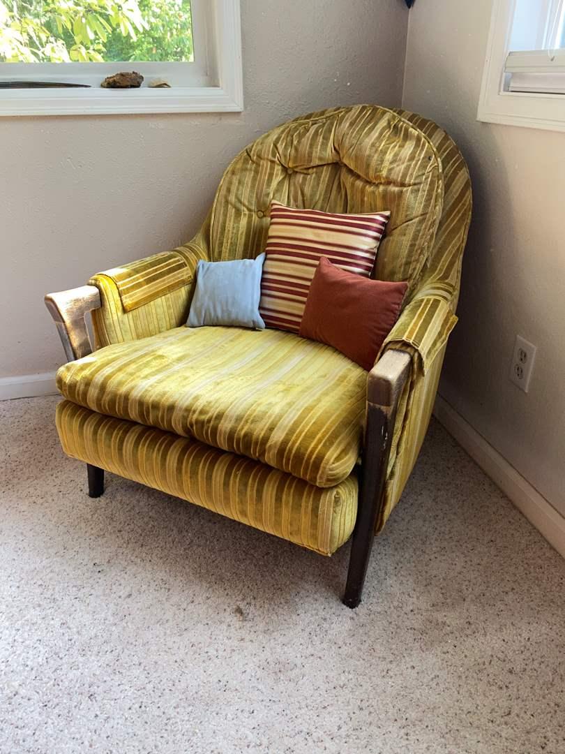 Lot # 26 - Vintage Arm Chair (main image)