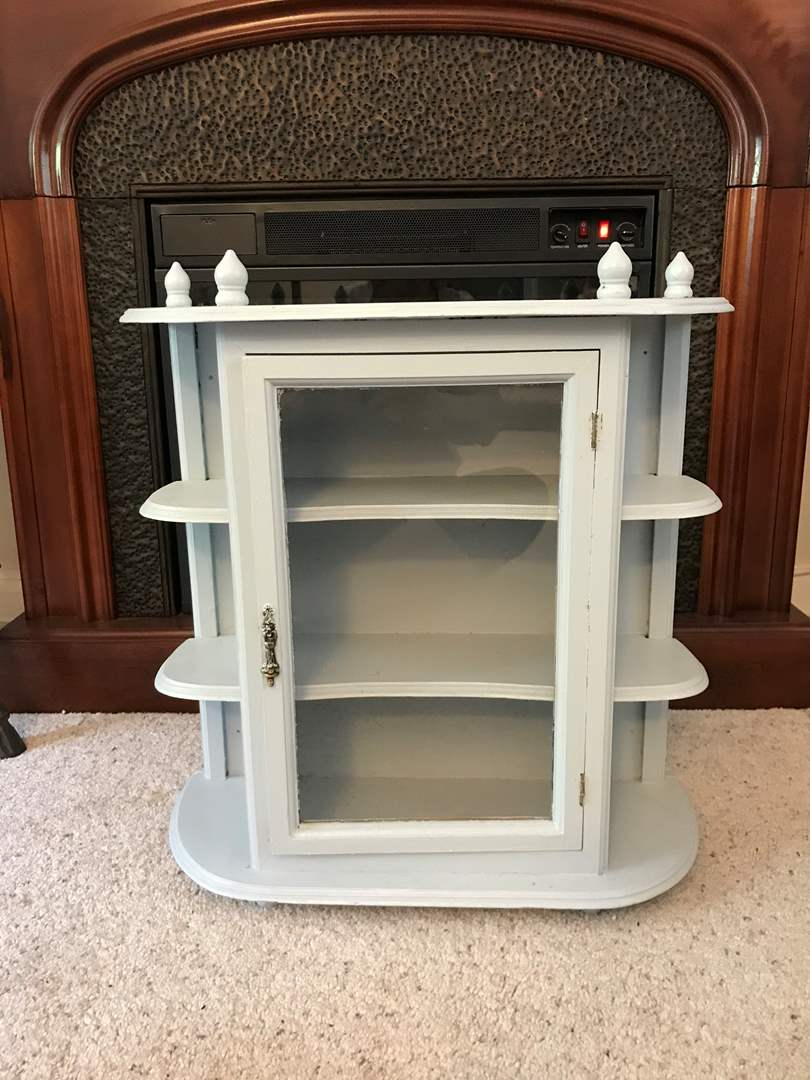 Lot # 87 - Cute Vintage Wood Curio Cabinet (main image)