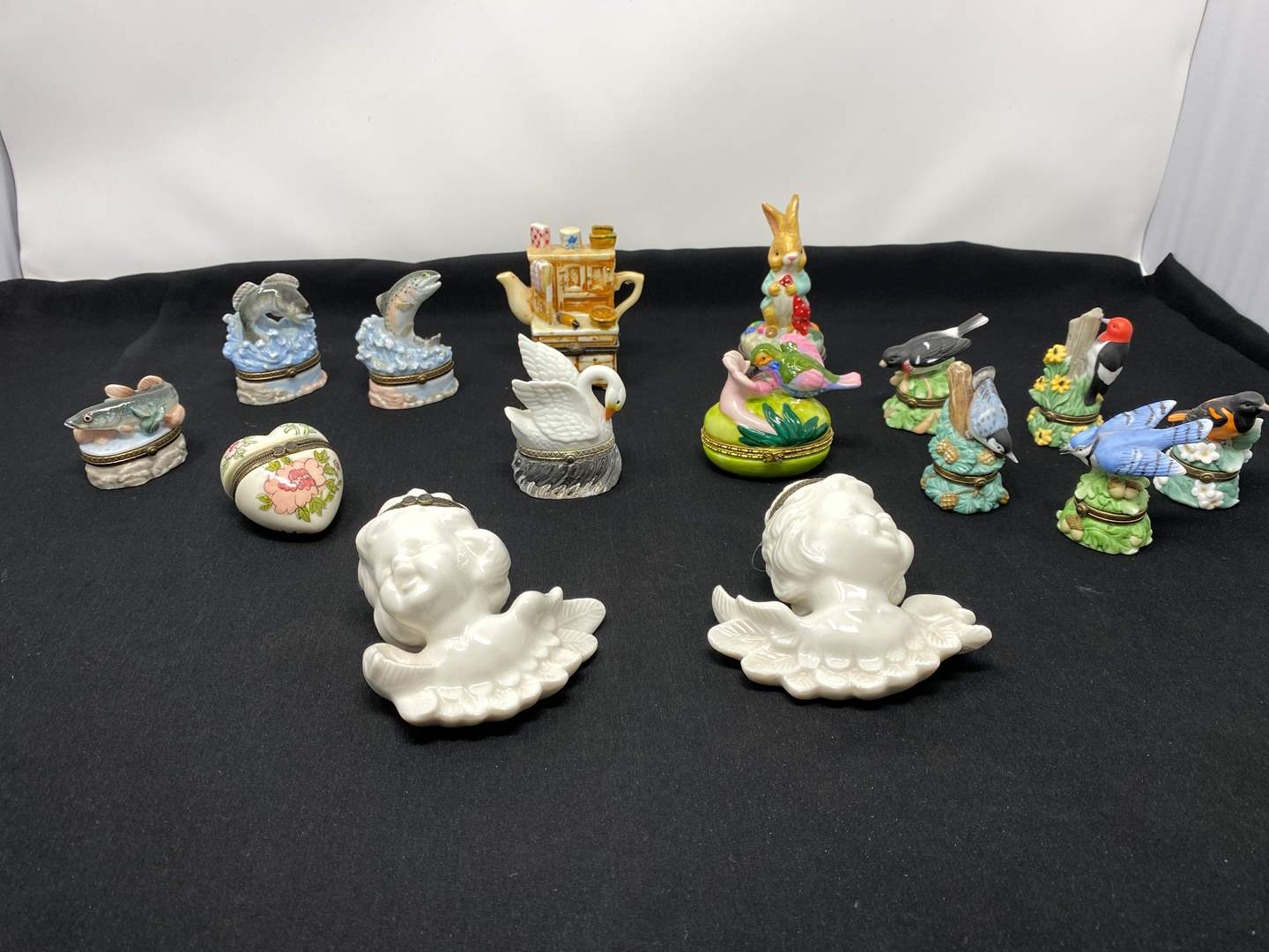 Lot # 113 - Awesome Collection of Small Trinket Boxes (main image)