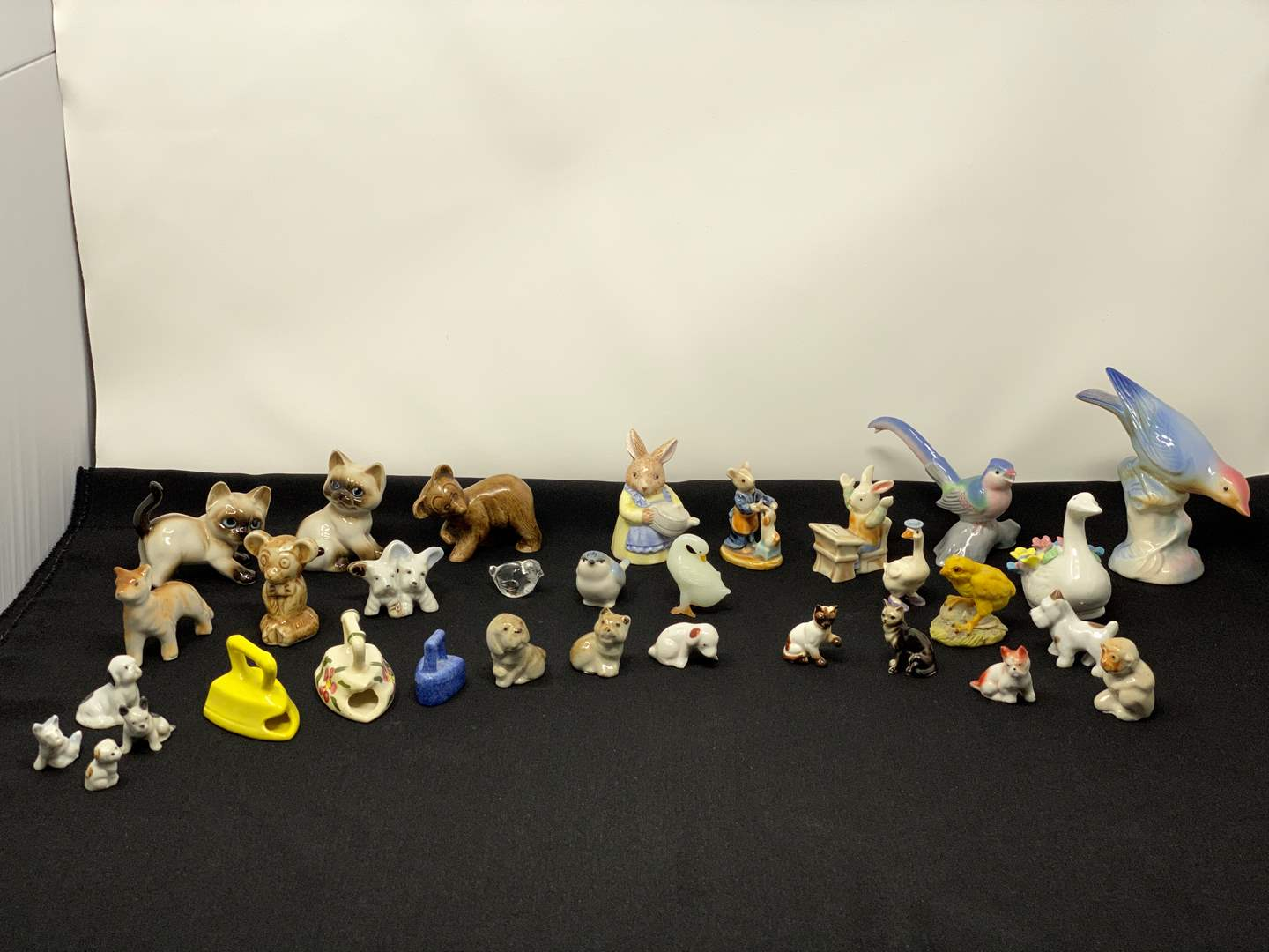 Lot # 115 - Nice Collection of Small Tchotchkes (main image)
